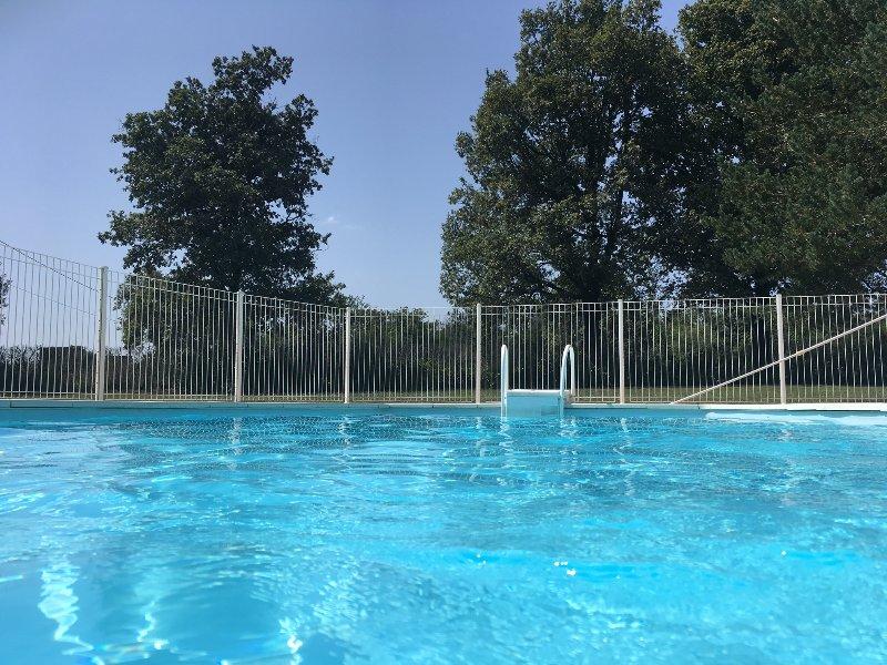 Champ de l'âne - Gîte 3*6p, piscine privée, calme, Rocamadour Martel Padirac 7km, holiday rental in Baladou