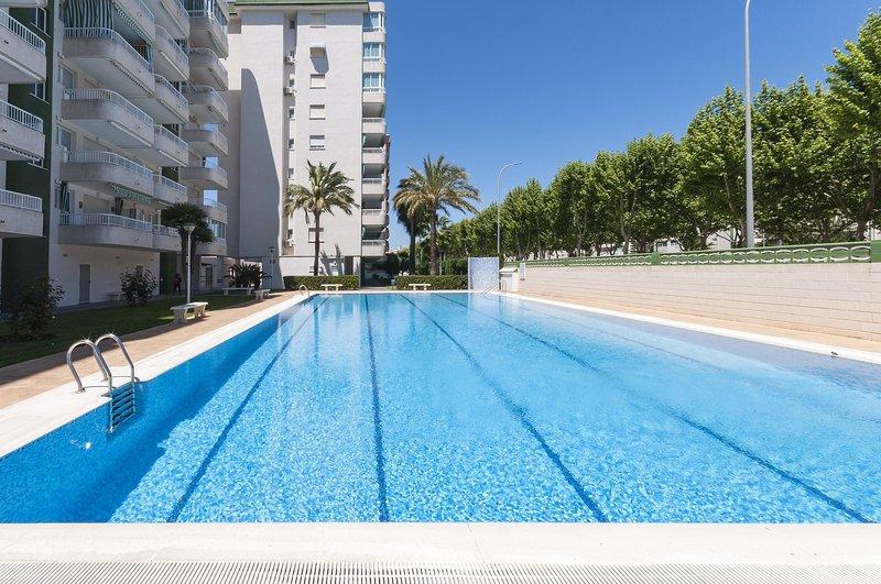 AROMA - Apartment for 5 people in Playa de Gandia, holiday rental in Grau i Platja