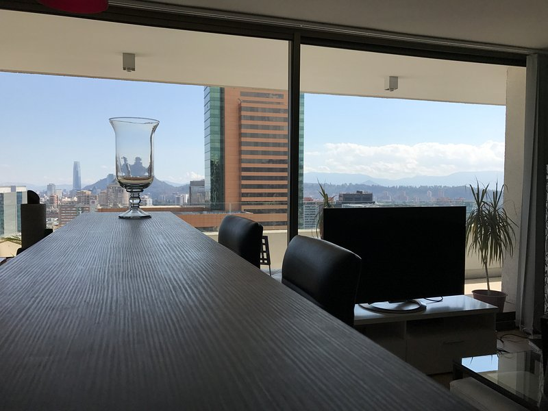 Mall Parque Arauco 110m2 AC Hotel Marriott, holiday rental in Chicureo