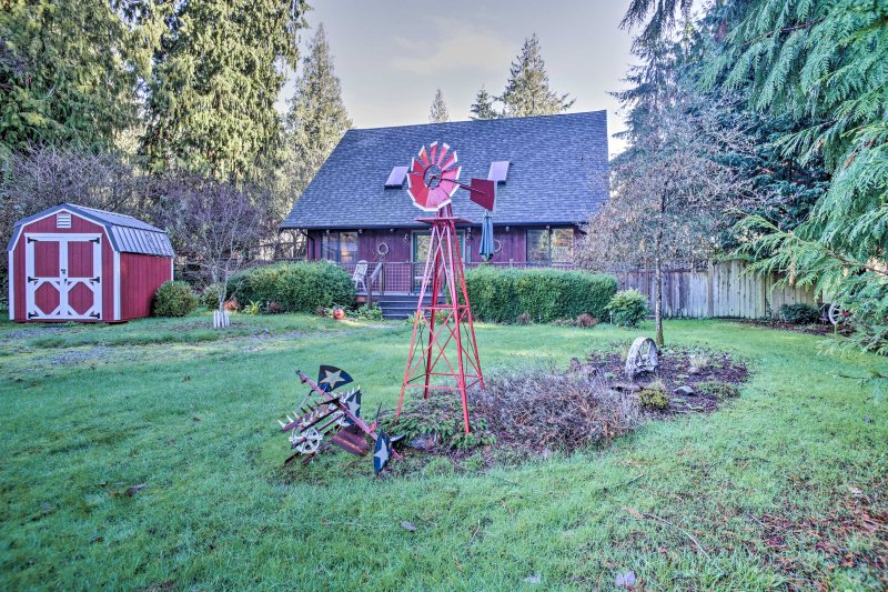 Modern South Whidbey House - Steps to Tidal Flats!, holiday rental in Hansville