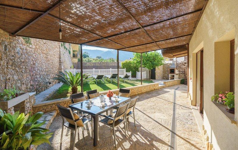 Comoda Casa De Pueblo Con Piscina En Zona Tranquila Y Cerca Del Centro 4 Bedroom Updated 2021 Tripadvisor Pollenca Vacation Rental