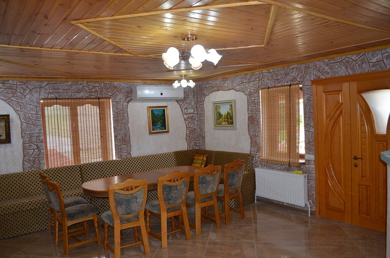 Riverside House, vacation rental in Rezina District