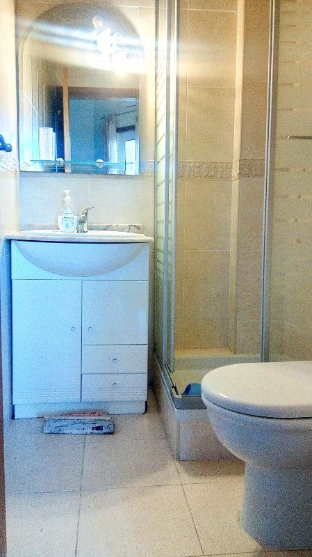 EN suite Badezimmer mit Dusche