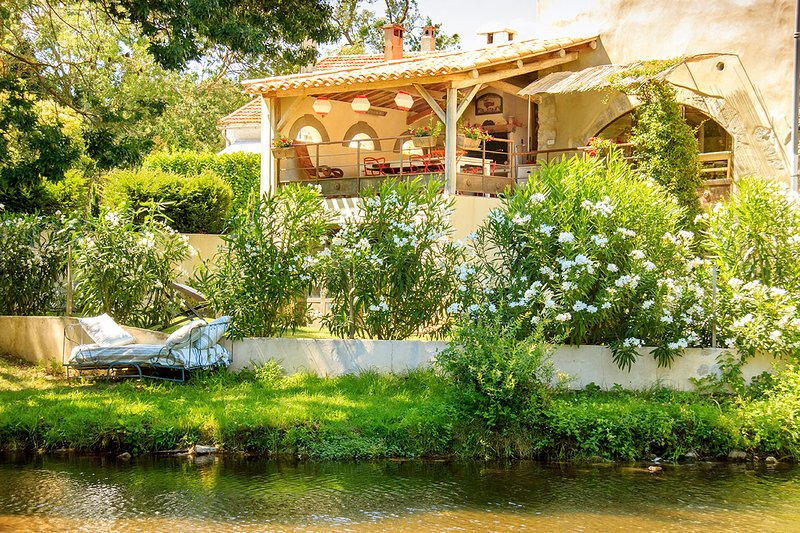 Gite 'au fil de l'eau', holiday rental in Aude