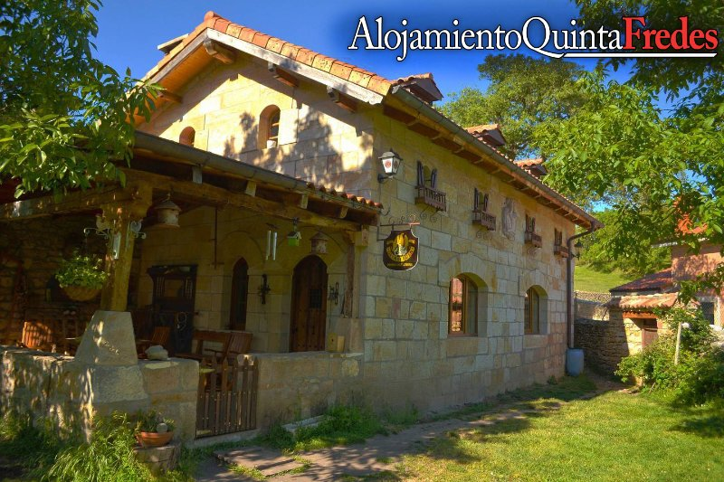 Rustic house in the middle of nature, holiday rental in Puente-Arenas