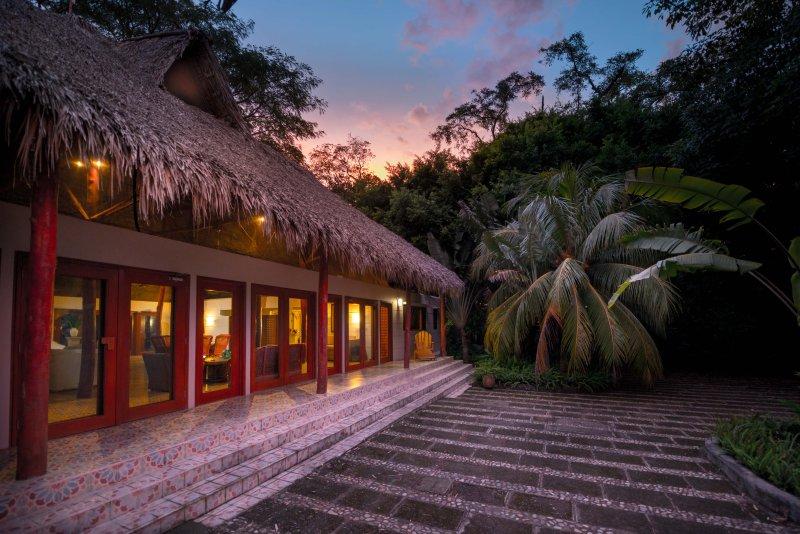 Rancho Majagual- 120 acre private beach retreat in San Juan del Sur, holiday rental in Playa Marsella