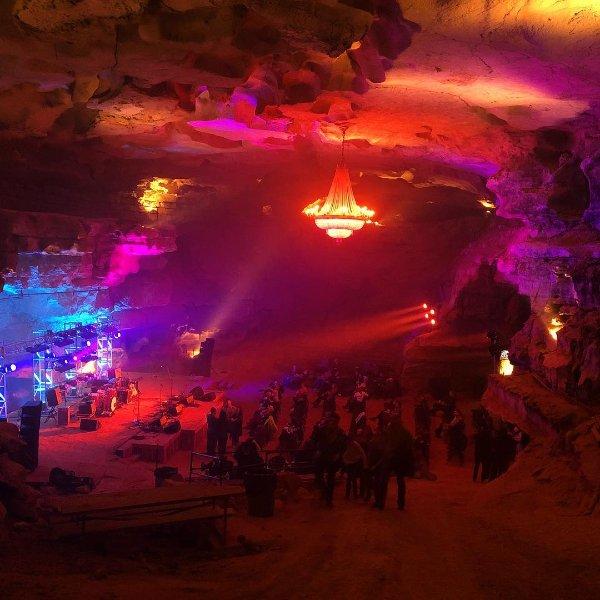 Cumberland Caverns Live. 333 pieds sous terre!