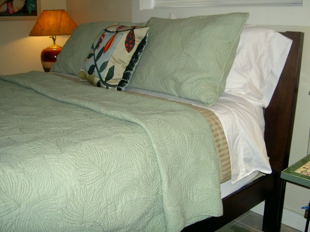 queen size bed new mattress and bedding