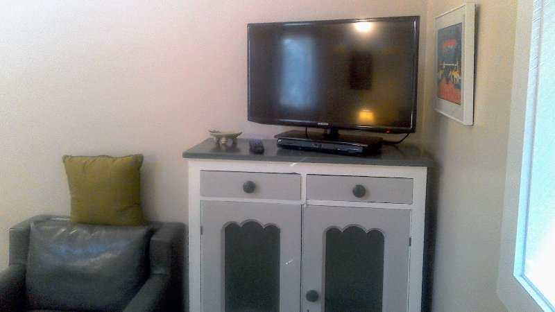 new 32' TV with HBO