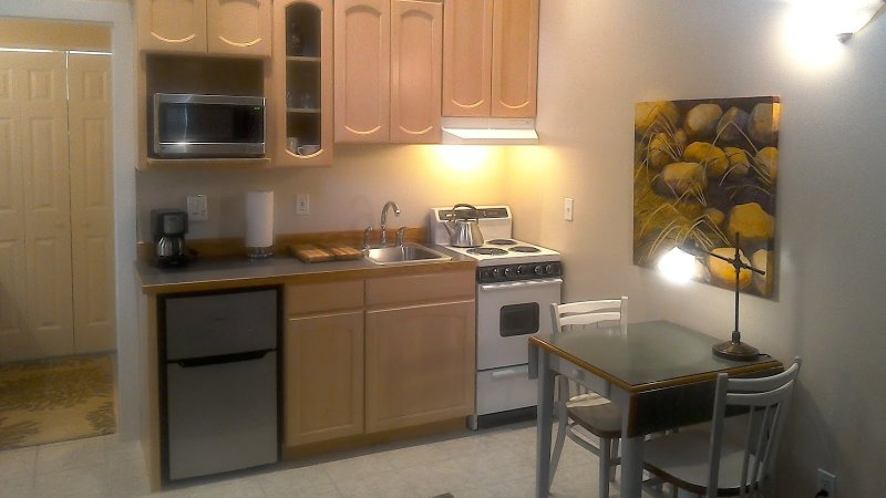 complete Kitchen with wine glasses