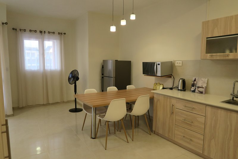 AZ Brand New Pereybere Beach Apartment, location de vacances à Grand Baie