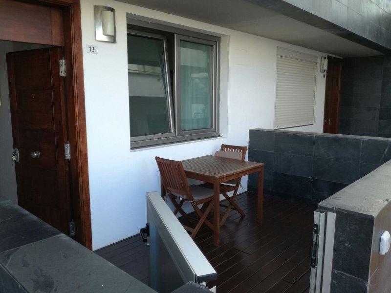 Terrasse avec vue sur la piscina.terrace donnant sur la piscine.