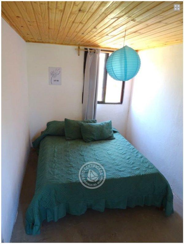 habitación de abajo cama de matrimonio