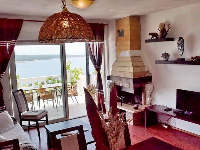Villa Agata First Floor - Sauna included, sandy beach nearby, casa vacanza a Rab Island