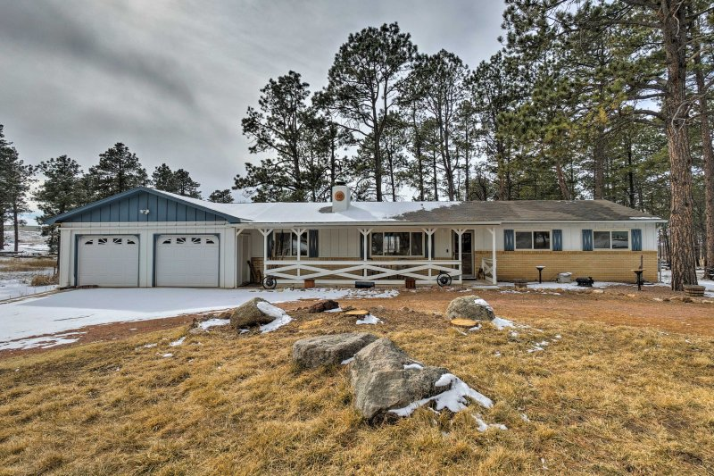 Book your getaway to the Black Forest at this modern, country vacation rental home in Colorado Springs.
