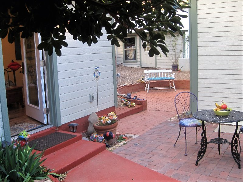 Adorable Bisbee Casita Chiquita in heart of Historic Old Bisbee, vacation rental in Bisbee
