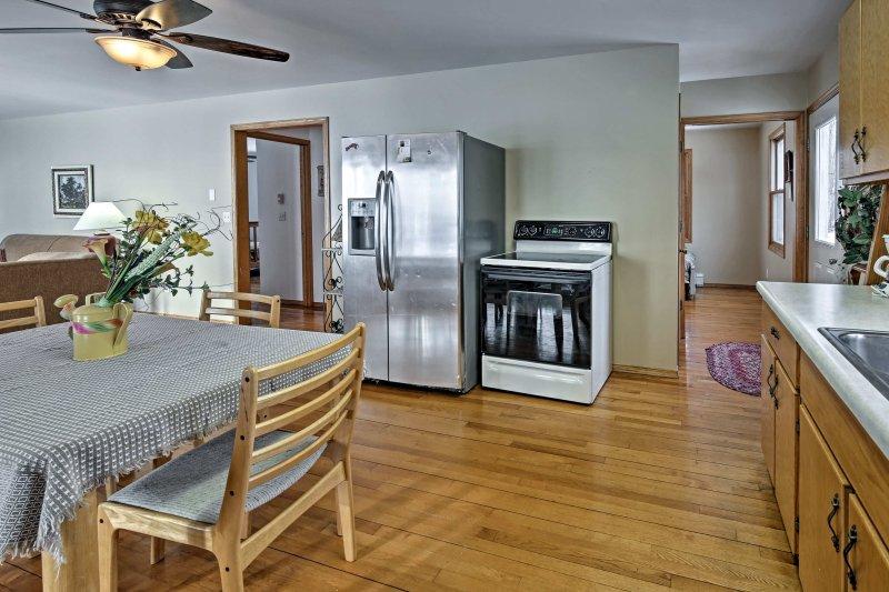 Preparar una correcta plato favorito familiar desde su casa en la cocina totalmente equipada.