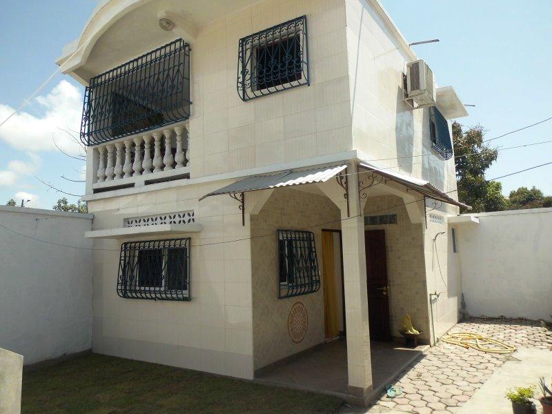 petite villa duplex richard et sabine, vacation rental in Toamasina Province
