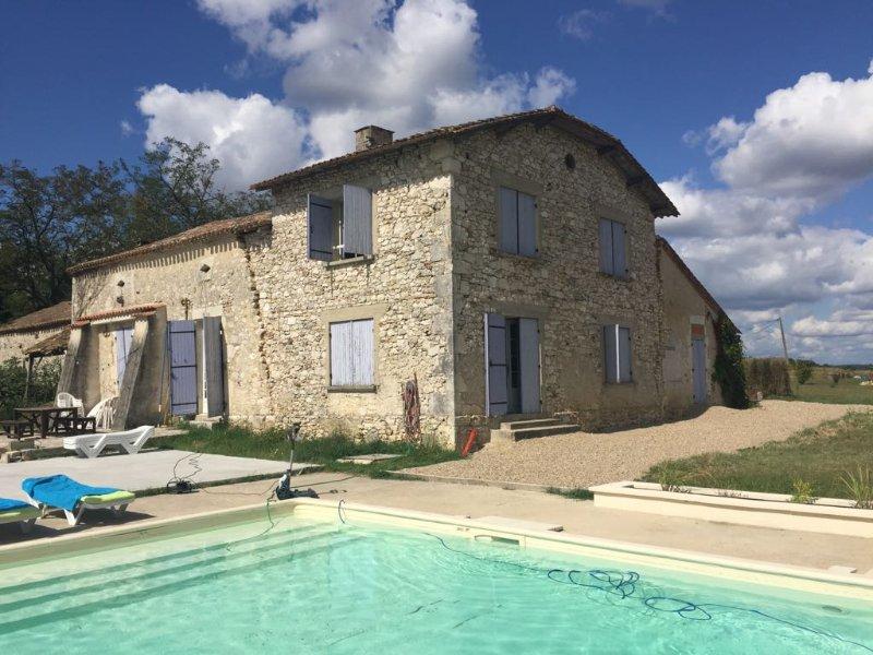 Maison Grossoleil, holiday rental in Saint-Aubin-de-Cadelech
