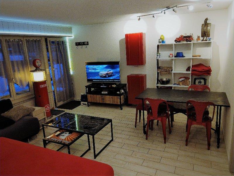 lounge, entrance