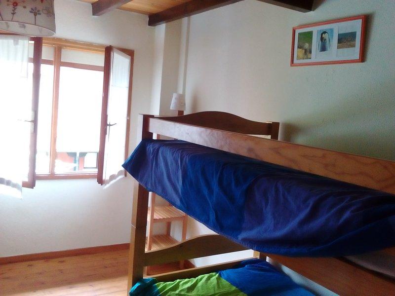 Bedroom 4 bunk (2nd floor).