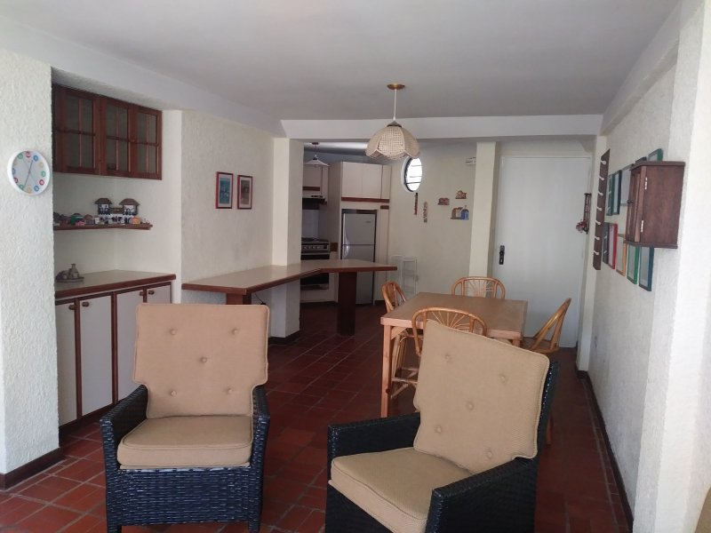 Room / living room, kitchen and entrance
