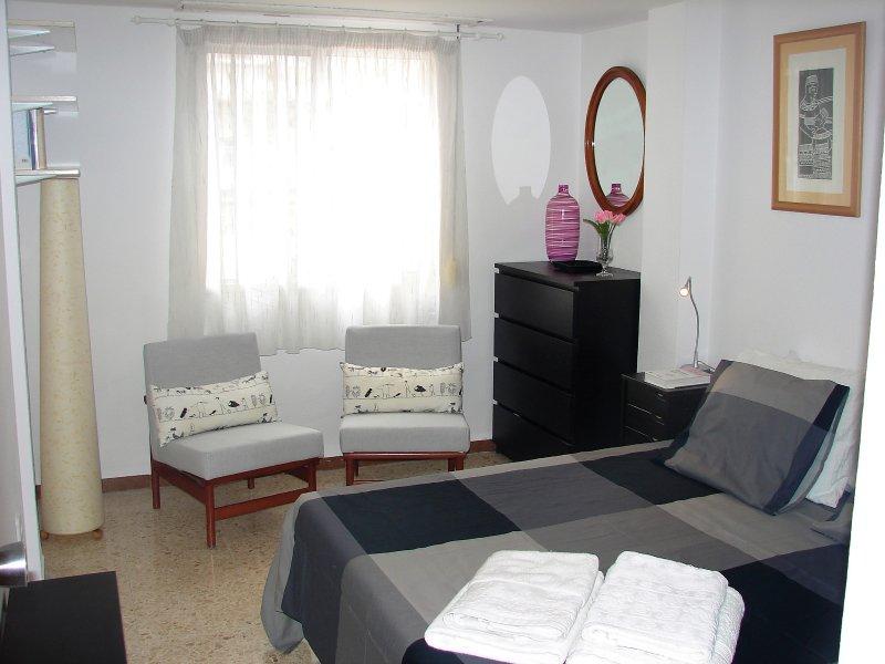 Apartamento de 3 habitaciones junto al Rio Turia, location de vacances à Burjassot