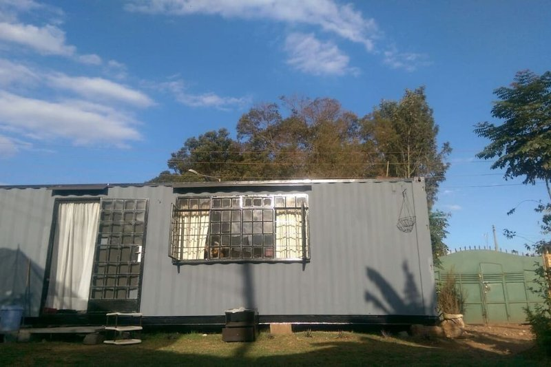 Modern Charming Tiny Living Container Home, holiday rental in Nairobi