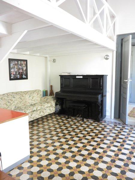 studio med piano