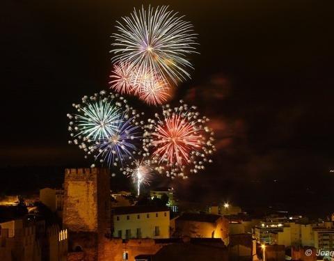 Castillo fuegos artificiales Buñol