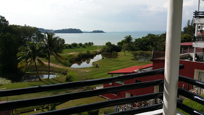 holiday Home with sea front, vacation rental in Batam