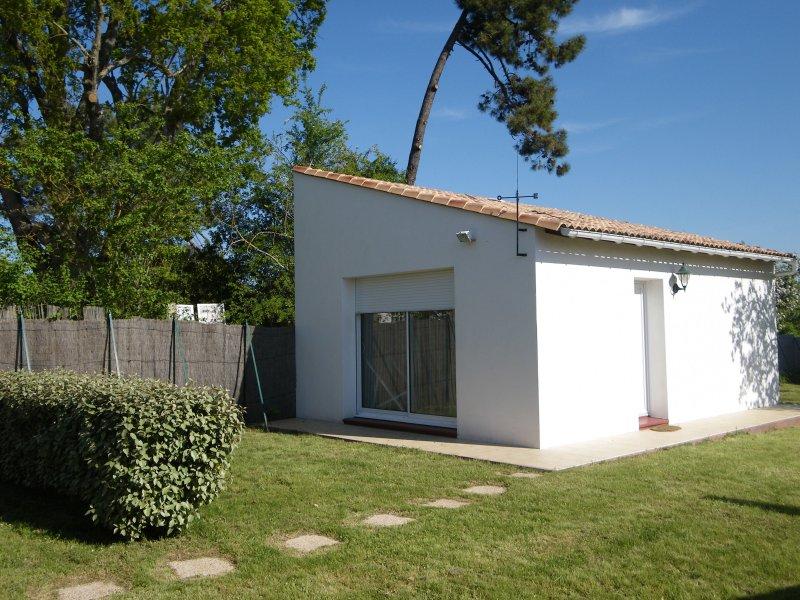 Belle maison neuve a 5 minutes a pied de la plage, vacation rental in Saint-Palais-sur-Mer