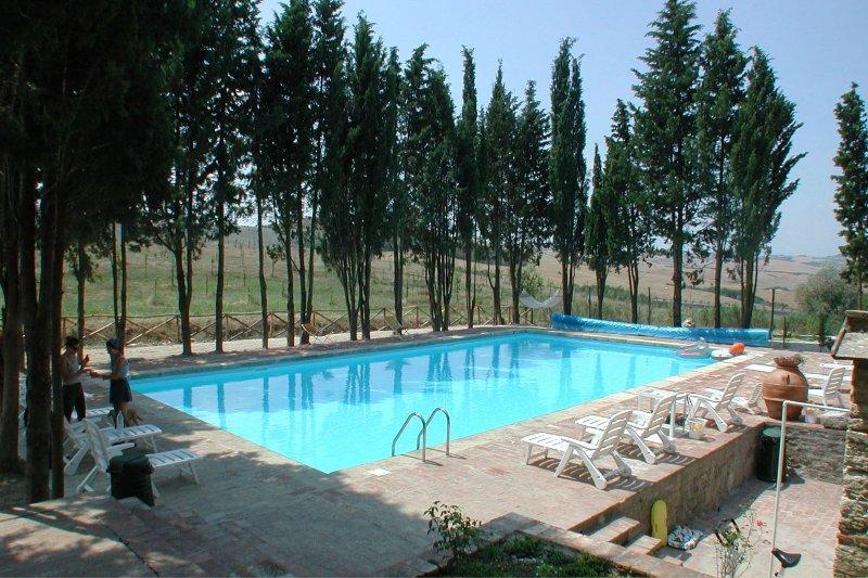 San Gimignanello Apartment Sleeps 5 with Pool - 5490443, holiday rental in Serre di Rapolano