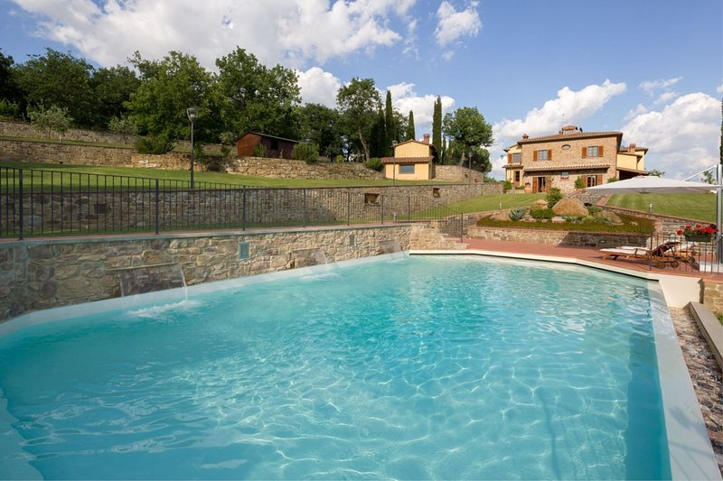 La Costa Apartment Sleeps 6 with Pool and Air Con - 5490537, vacation rental in Pieve A Maiano