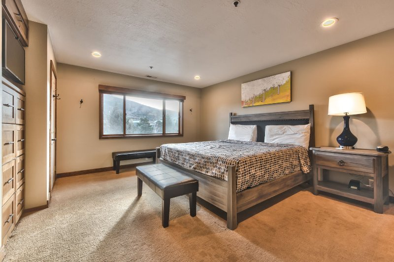 Remodeled Master Bedroom with King Bed, Flat Screen TV and Private Bath