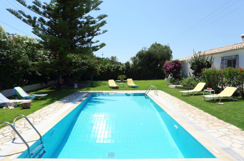 Villa Venus - 3 bedrooms with private pool & Wi-Fi, holiday rental in Corfu