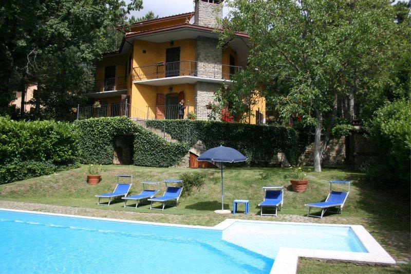 VILLA MARISA - VILLA MARISA 14, holiday rental in Chiaveretto