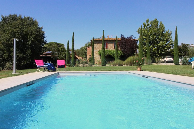 Patalecchia Villa Sleeps 10 with Pool - 5490602, vacation rental in Castroncello