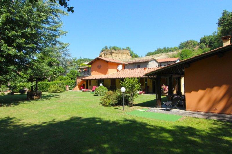 VILLA LE BALZE, location de vacances à Castelfranco Piandisco