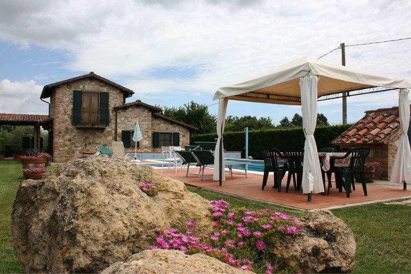 I Bertoni Villa Sleeps 14 with Pool - 5792320, vacation rental in Borghetto