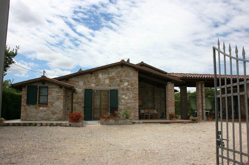 I Bertoni Villa Sleeps 8 with Pool - 5490490, vacation rental in Borghetto