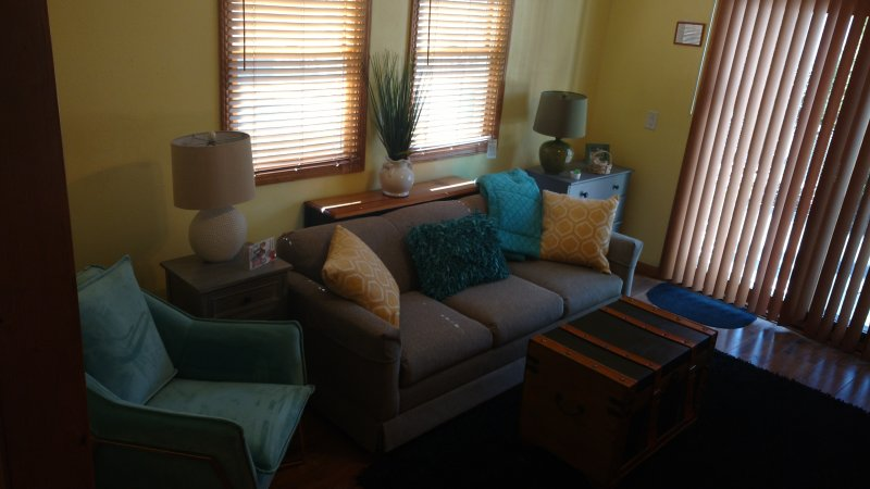 FANILY ROOM OFFTHE KITCHEN WITH TV,DVD AND OPENS TO THE PATIO, TEEN FAV WITH QUEEN SLEEPER