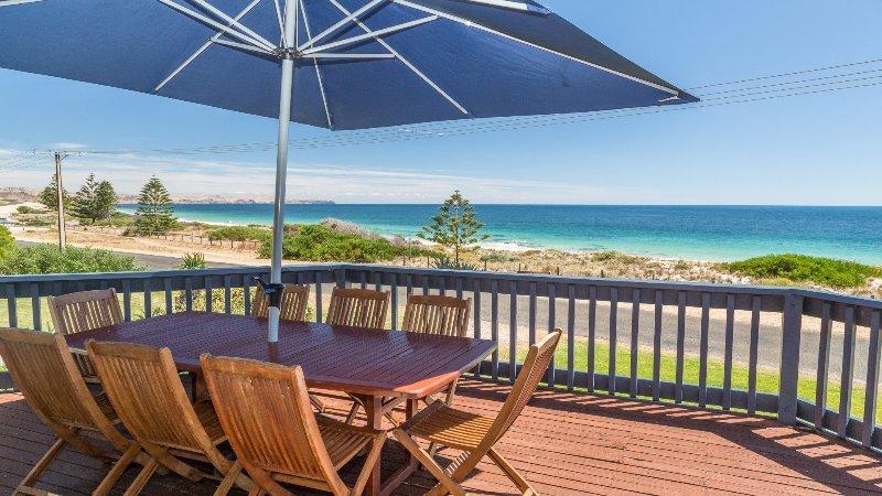 Sandy Feet - 31 Gold Coast Drive, vacation rental in Carrickalinga