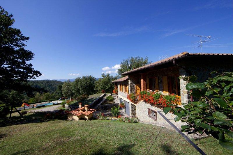Santa Maria Villa Sleeps 8 with Pool - 5490477, holiday rental in Stia