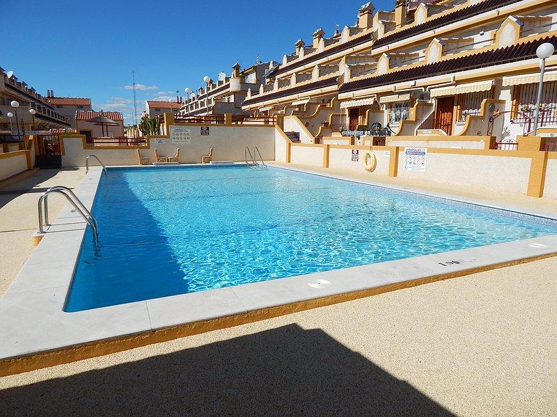 2 Bed 1 Bath, La Florida, alquiler vacacional en Playa Flamenca