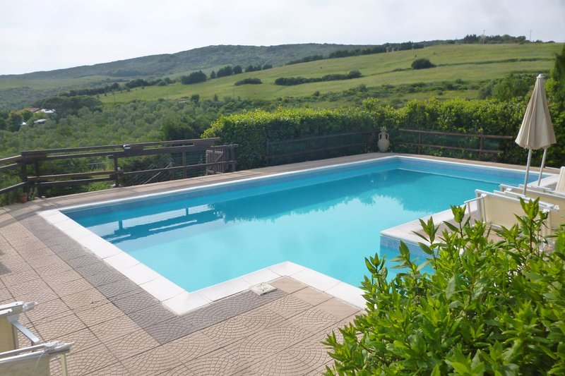 Sovita Holiday Home Sleeps 10 with Pool and Air Con - 5490518, Ferienwohnung in Gabbro