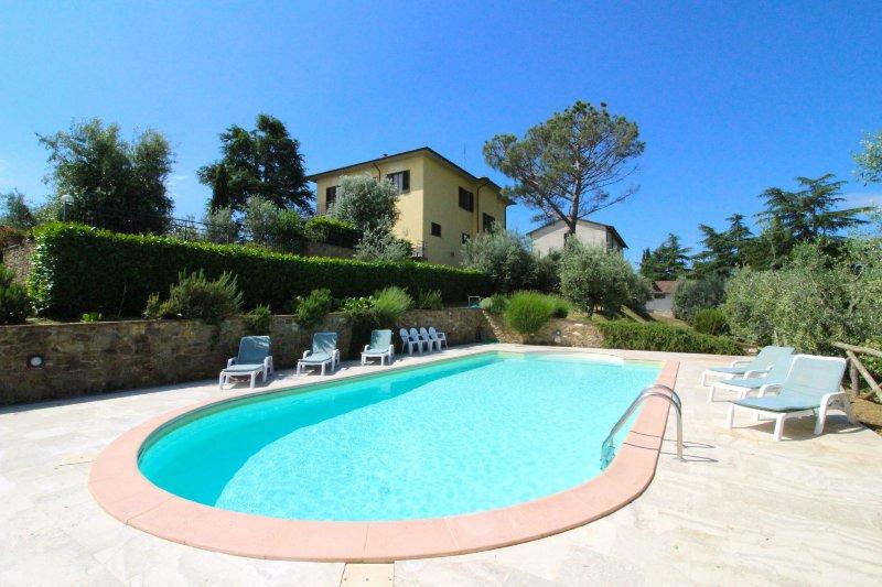 Monte San Savino Villa Sleeps 8 with Pool - 5490354, aluguéis de temporada em Monte San Savino