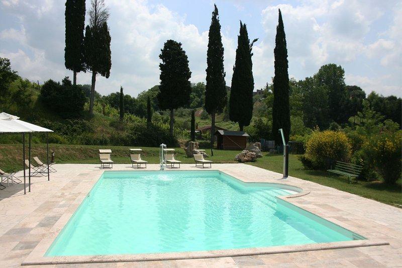 Armaiolo Villa Sleeps 8 with Pool and Air Con - 5490478, holiday rental in Armaiolo