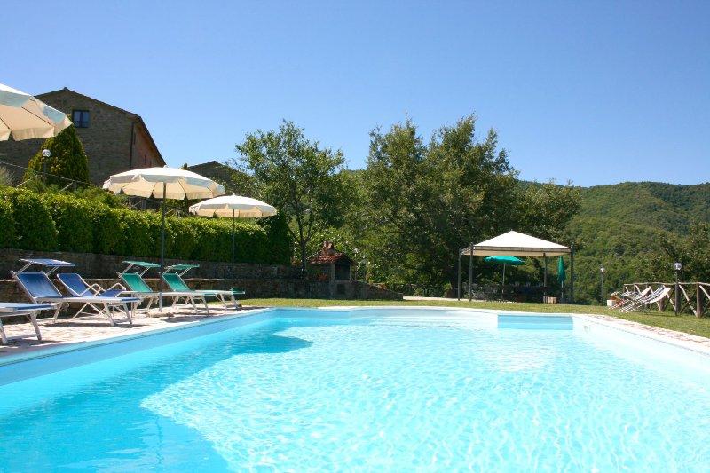 BORGO ANTICO 8, holiday rental in Morra