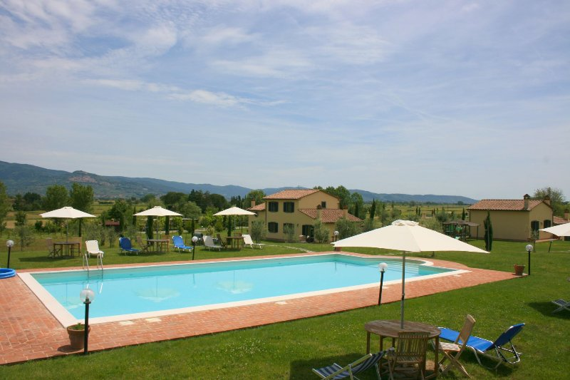VILLA MARCIGLIANO, holiday rental in Fratticciola